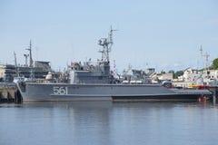 船是扫雷艇BT-115根据海军在Kronstadt 免版税库存图片