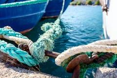 船栓与绳索码头的地方 库存图片