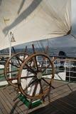 船的方向盘 免版税图库摄影