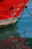 船的红色船身 库存照片