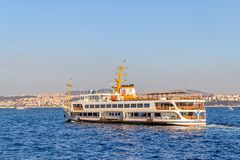 船航行伊斯坦布尔 库存照片