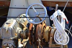 船船舵绳索链子引擎 图库摄影