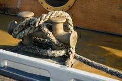 船锚的船舶绳索 免版税图库摄影