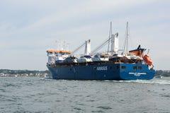 船EEMSLIFT进入普尔港的亨德里卡 免版税库存图片