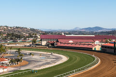 良种赛马跑道在Del Mar,加利福尼亚 免版税库存照片