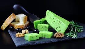 绿色乳酪pesto用迷迭香 免版税库存图片