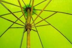 绿色伞 免版税图库摄影