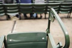 绿色体育场位子 免版税库存照片
