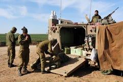 以色列军队准备进入加沙地带 免版税库存照片