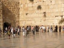 以色列耶路撒冷 疆土的一个人的一半哭墙的 库存图片