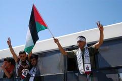 以色列释放255个巴勒斯坦囚犯 库存照片