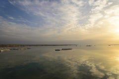以色列 死海 黎明 库存图片