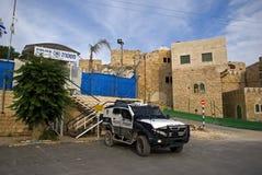 以色列patrolcar,希布伦,巴勒斯坦 免版税库存照片
