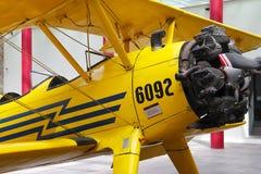 黄色双翼飞机II 免版税库存图片