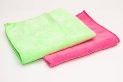 绿色和玫瑰色毛巾 免版税库存照片