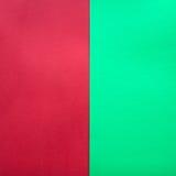 绿色和红色纸背景 库存照片