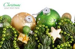 绿色和金黄圣诞节装饰边界 库存图片