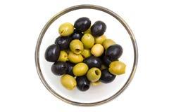 绿色和黑橄榄从 免版税图库摄影