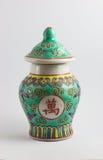 黄色和绿色瓷花瓶装饰品 库存图片