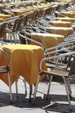 黄色咖啡馆椅子 免版税库存照片