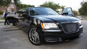 黑色大型高级轿车 免版税库存照片