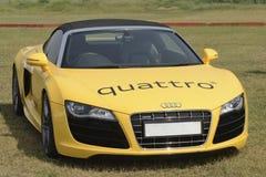 黄色奥迪Quattro R8 库存照片