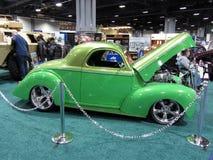 绿色威力斯跑车 库存图片