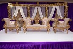 紫色婚礼阶段 免版税库存图片