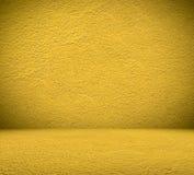 黄色室墙壁背景 库存图片
