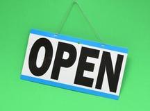 绿色屏幕开放标志 免版税库存照片