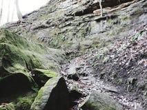 绿色岩石 免版税库存照片