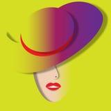 紫色帽子女孩 免版税库存照片