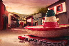绿色帽子查出的墨西哥阔边帽 免版税库存图片