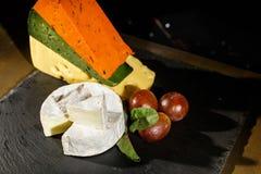 黑色干酪橄榄 库存图片