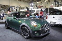 绿色微型汽车 免版税库存图片