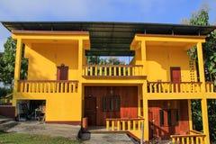 黄色房子 免版税图库摄影
