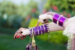 紫色手镯 库存图片