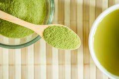 绿色搽粉了茶 库存图片