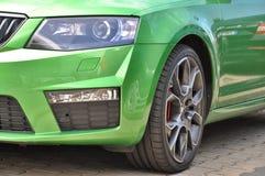 绿色斯柯达Octavia RS 免版税库存图片
