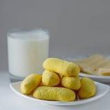 黄色曲奇饼 图库摄影