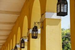 黄色曲拱 库存照片
