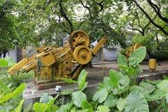 黄色机器在redtory创造性的庭院,广州,瓷里 免版税图库摄影