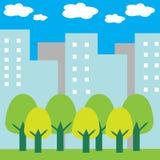 绿色树在城市 免版税库存图片