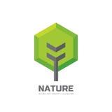 绿色树-导航企业商标模板在平的样式的概念例证 风景森林创造性的标志 本质符号 库存例证