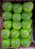 绿色格兰尼史密斯苹果苹果 库存图片
