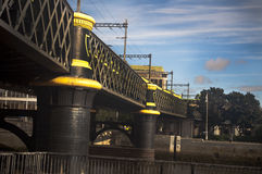 黄色桥梁 库存图片
