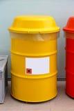 黄色桶 免版税库存照片