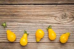 黄色梨蕃茄 免版税库存图片