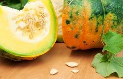 绿色橙色南瓜 免版税库存图片
