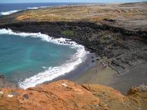 绿色沙子海滩 免版税库存图片
